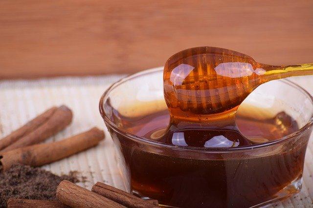 raw vs manuka honey